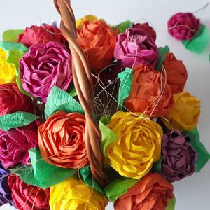 Róże z papieru - pomysł na świąteczny prezent