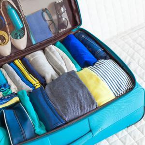 Lista rzeczy do spakowania na wakacje: pakowanie walizki