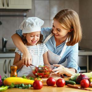 Trendy żywieniowe – jakie zwyczaje żywieniowe warto wprowadzić w swoim domu?