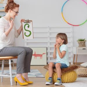 Opóźniony rozwój mowy: indywidualny program terapii logopedycznej