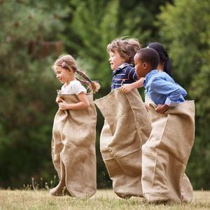 Gry i zabawy dla dzieci: jak zorganizować czas?