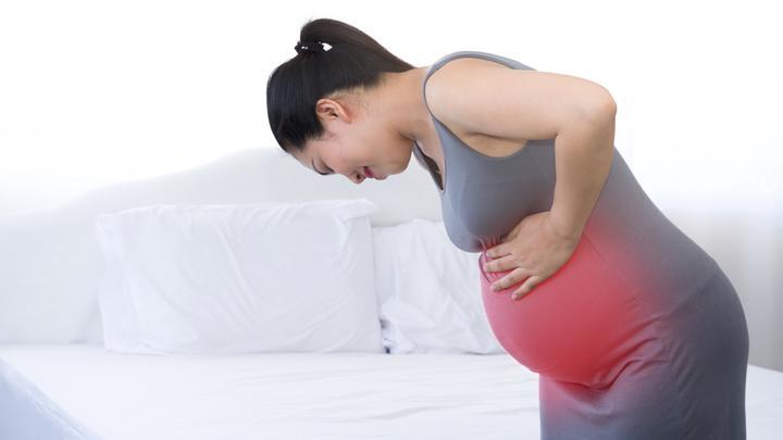 Bolesne skurcze przepowiadające – jak odróżnić je od rozpoczęcia właściwej akcji porodowej?