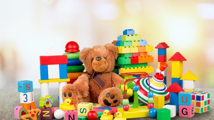 Zabawki na prezent dostosowane do wybranego wieku - pomysły